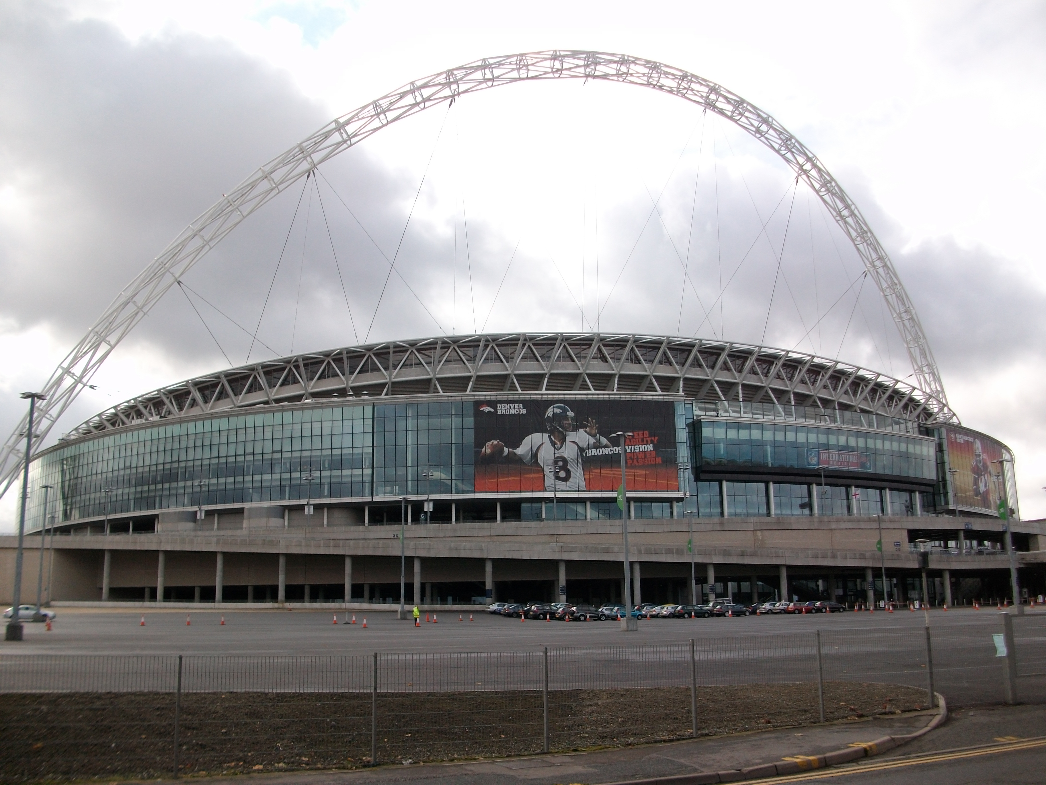 wembley stadium essay Originally scheduled to take place at tottenham stadium, the london tilt between the seattle seahawks and oakland raiders has moved to wembley stadium.