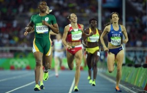 Caster Semenya comes first, as expected, in the women's 800m semi-final at the 2016 Rio Olympics.