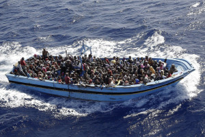 Refugees, Migrants, Muslim Activists arrive by sea ...