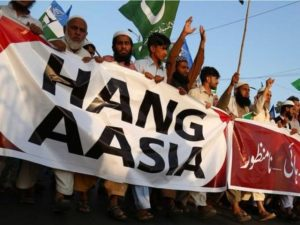 Pakistan's Muslims continue to call for Aasiya to be hanged.